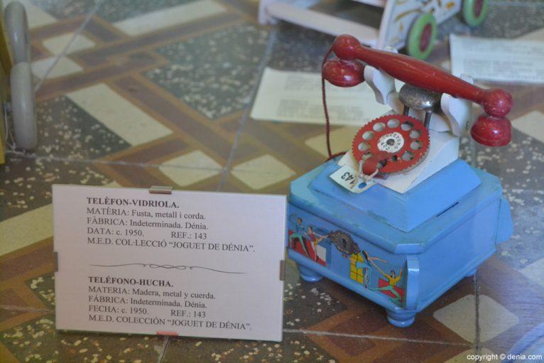 Teléfono - hucha en el Museo del juguete de Dénia
