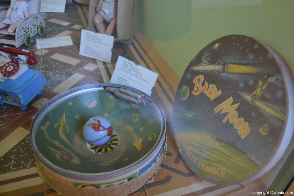 Joc baby Moon al Museu del Joguet de Dénia