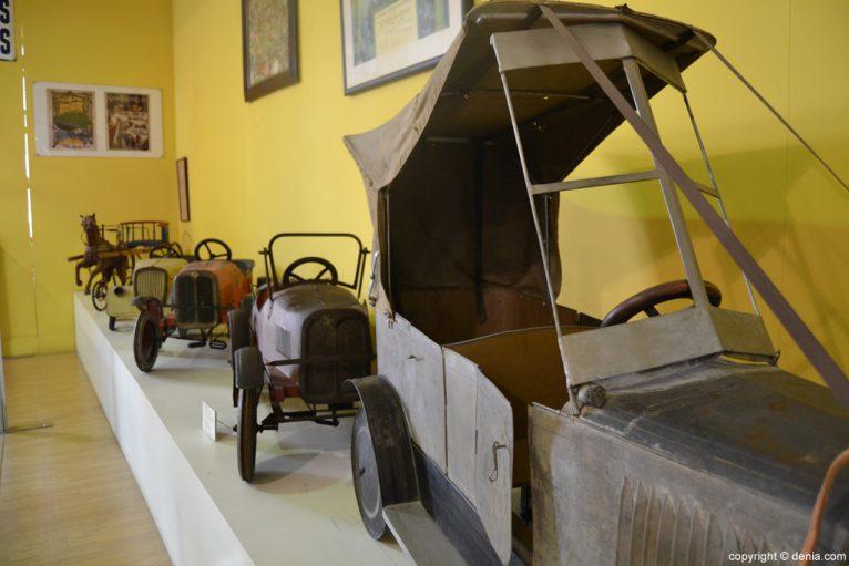 Cotxes per a nens al Museu del Joguet de Dénia
