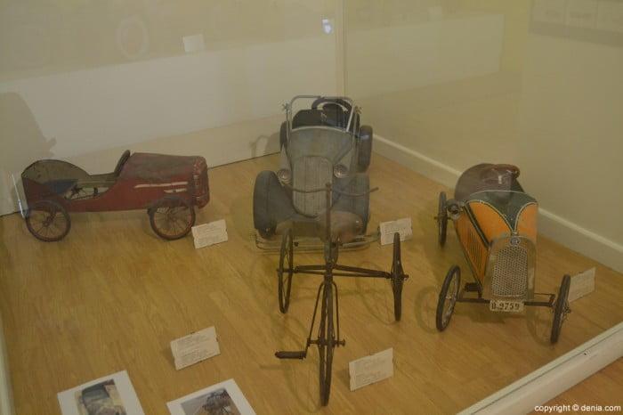 Coches para niños en el Museo del Juguete de Dénia