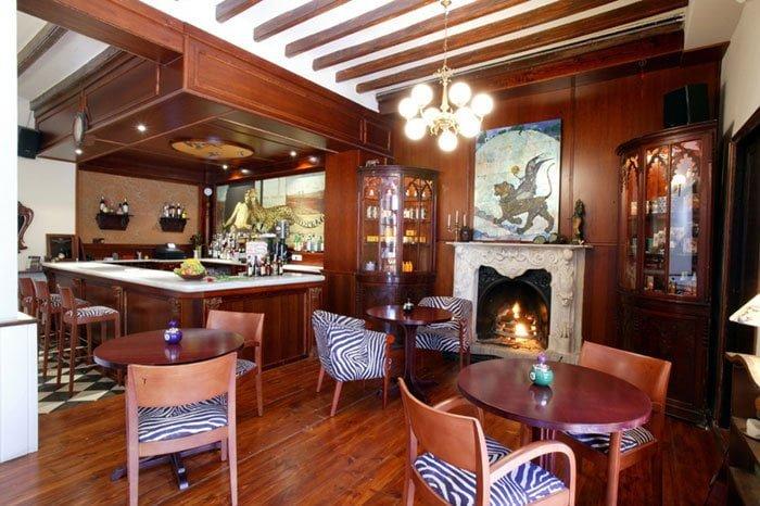 Cafetaria van het Hotel Chamarel Dénia