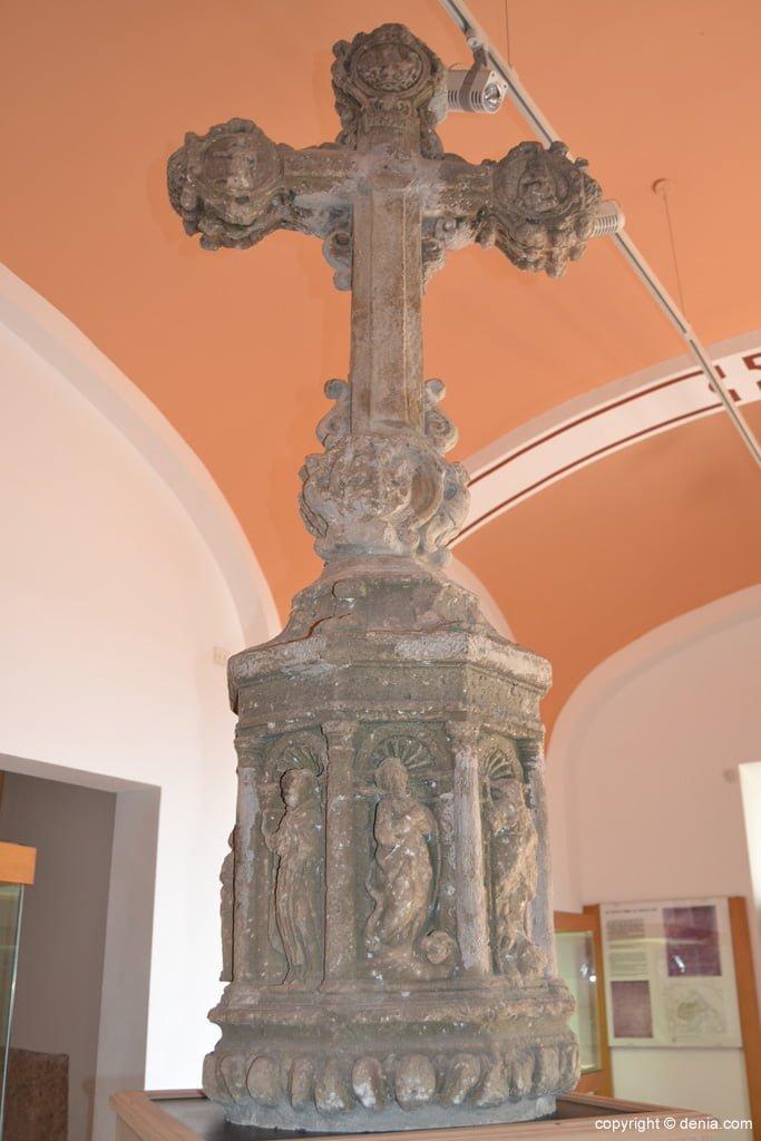 Cruz de término original de la Plaza del Convent
