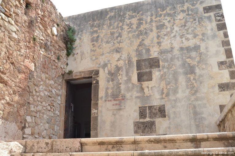 Entrada al museo Arqueológico de Dénia