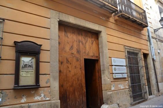 Entrada al museu etnològic de Dénia