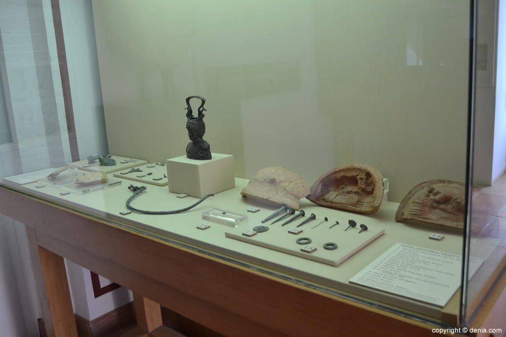 Material arqueológico de las excavaciones de Dianium
