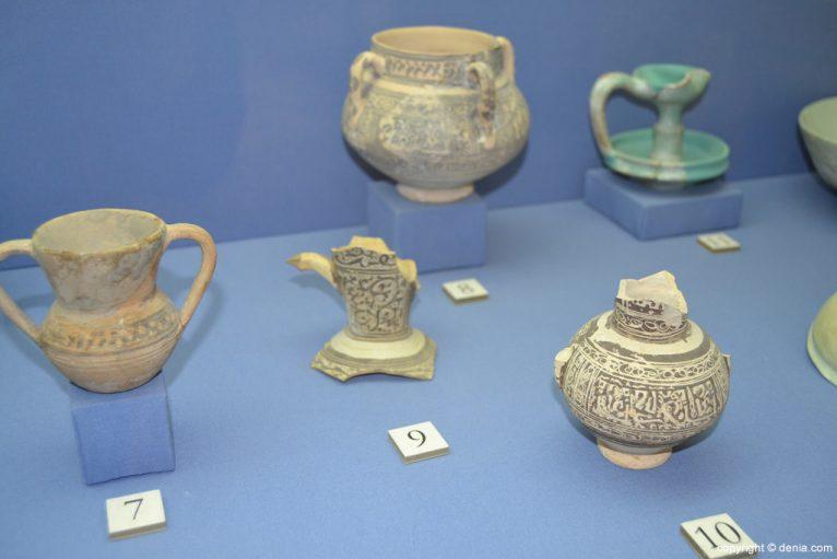Pequeñas piezas de cerámica islámica procedente de Daniya