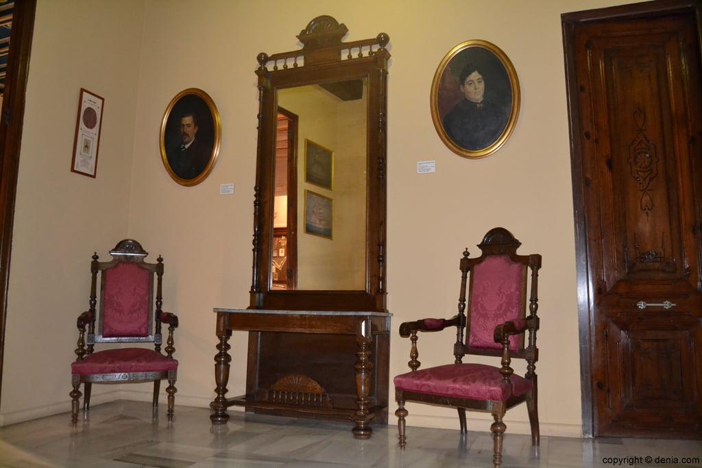 Salón bugués del s XIX en el Museo Etnológico de Dénia