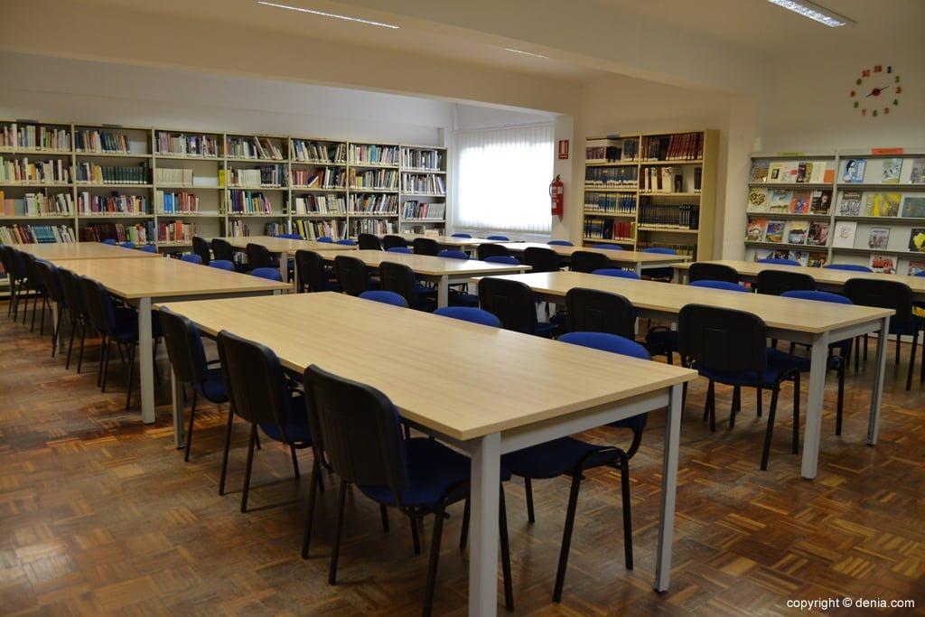 Sala principal de la Biblioteca Municipal de Dénia