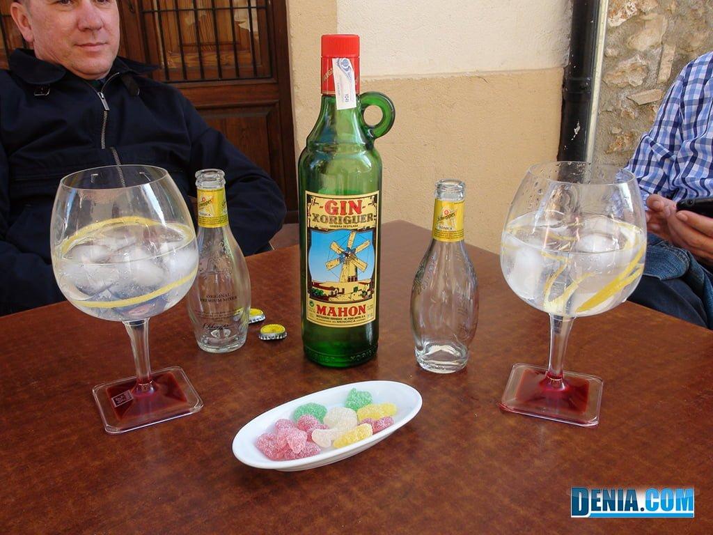 Casa Miguel Joan, els Gin Tonics servits amb llaminadures