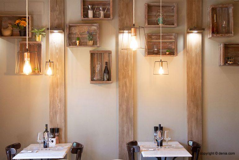 Restaurante moderno y agradable en el centro de Dénia - La Cova Tallà
