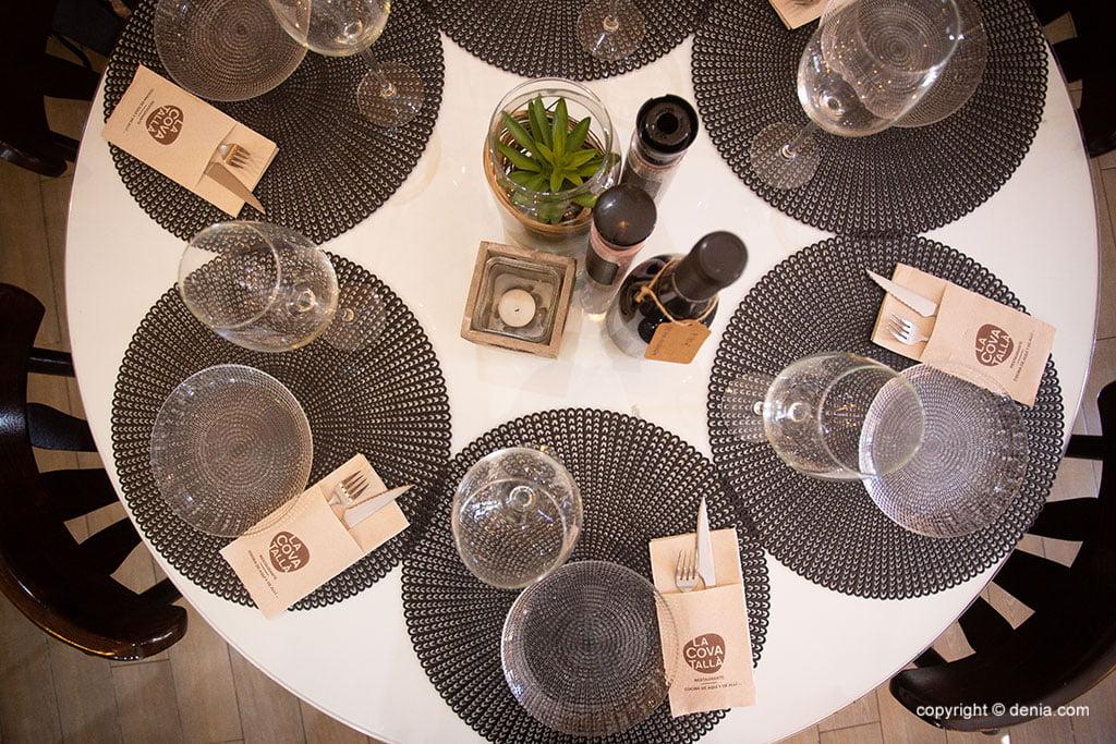 Restaurant modern i agradable al centre de Dénia - La Cova Tallà