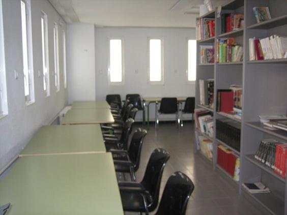 Biblioteca del colegio Montgó