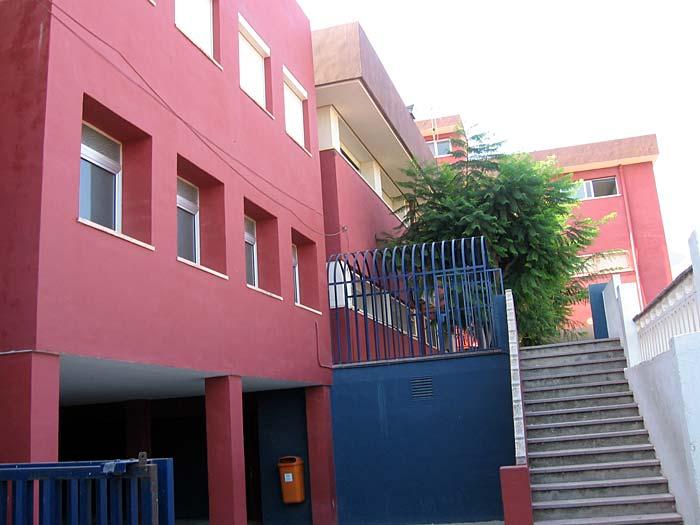 Edificio de primaria del colegio Paidos