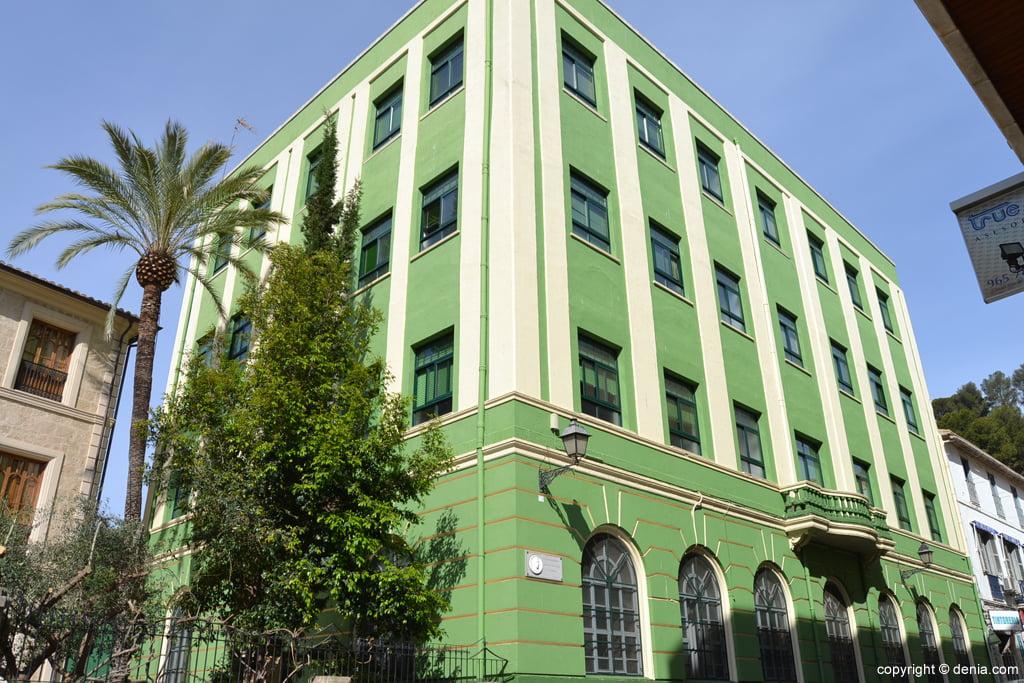 Edificio de secundaria del Colegio Maristas de Dénia