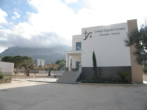 Facade of the Sacred Heart school in Dénia