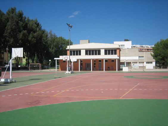 Patio de primaria del colegio Montgó