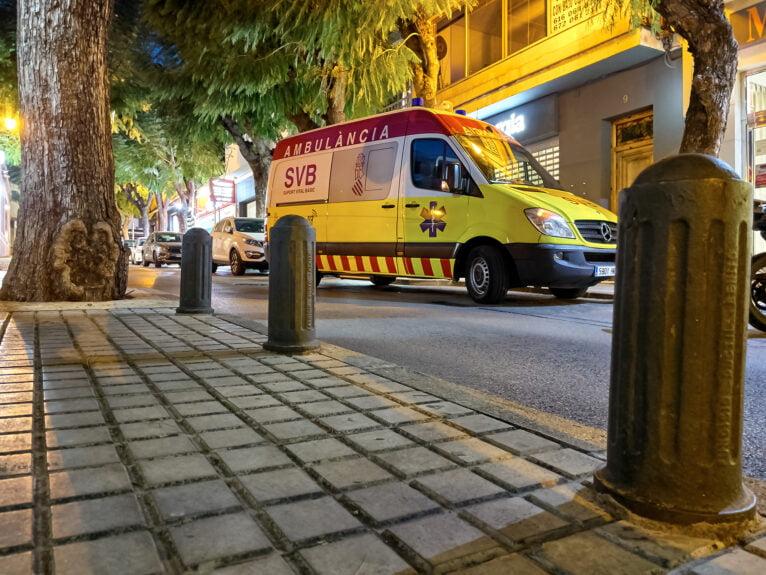 Ambulancia en el centro de Dénia
