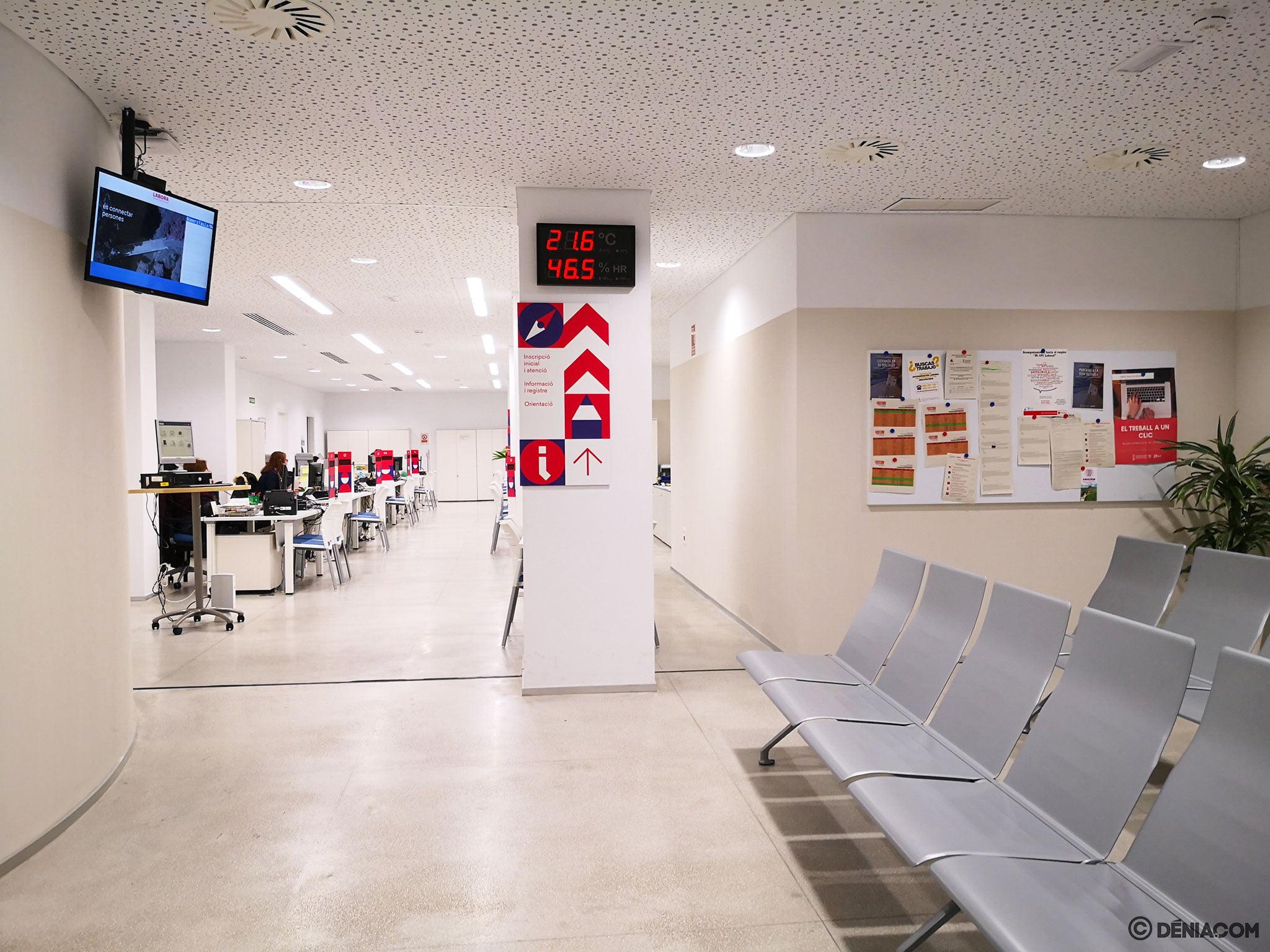 Interior de la oficina de Labora en Dénia