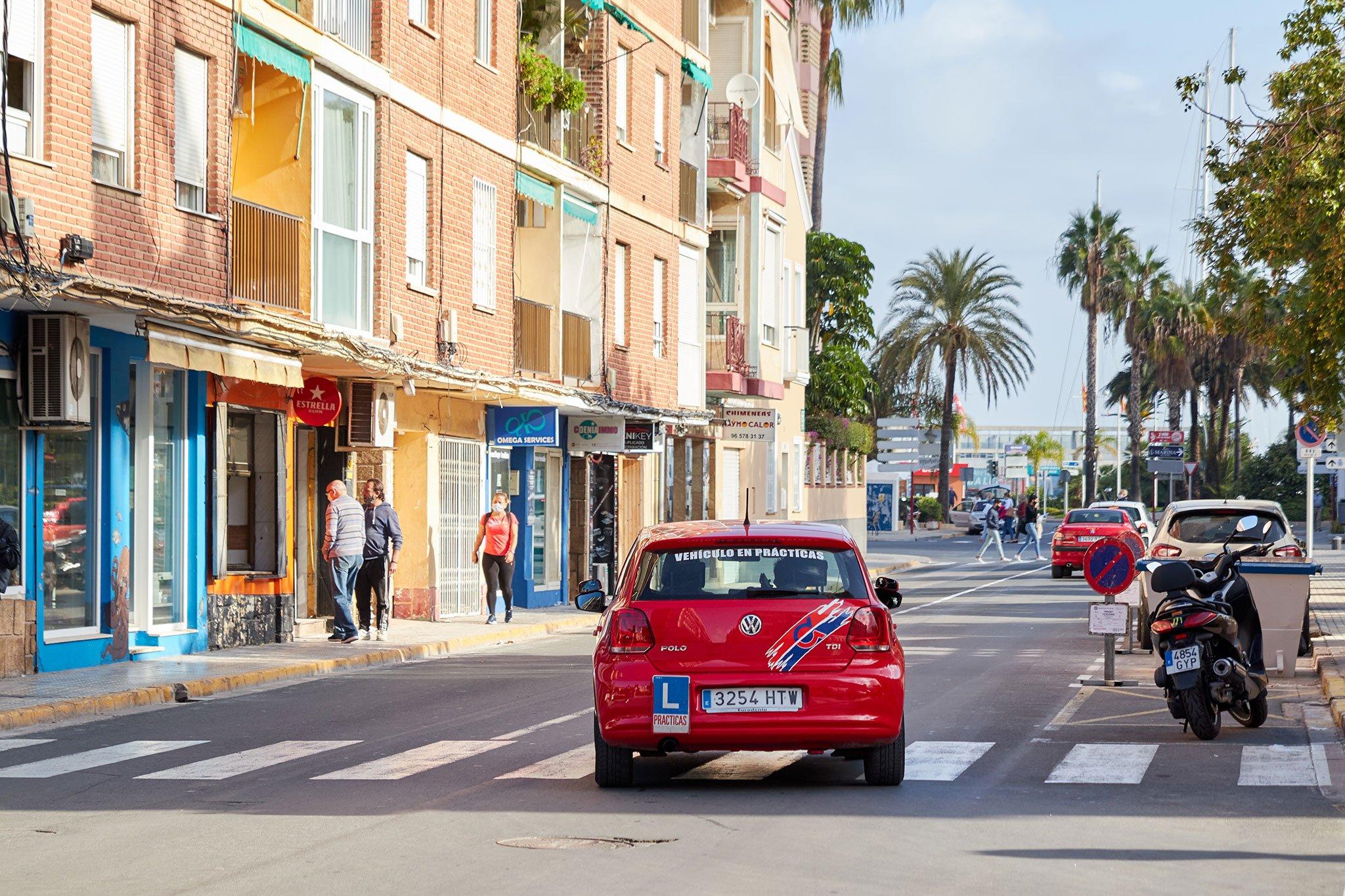 Prácticas de conducir en Dénia – Autoescuela Guillem