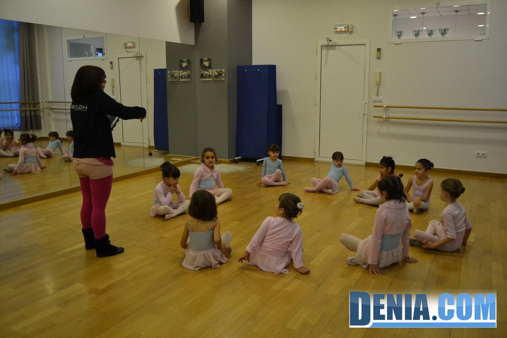 Детские балетные классы в Дении - Вавилон