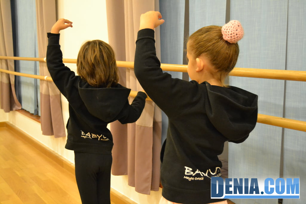 Балетные классы для детей в Дении - Вавилон
