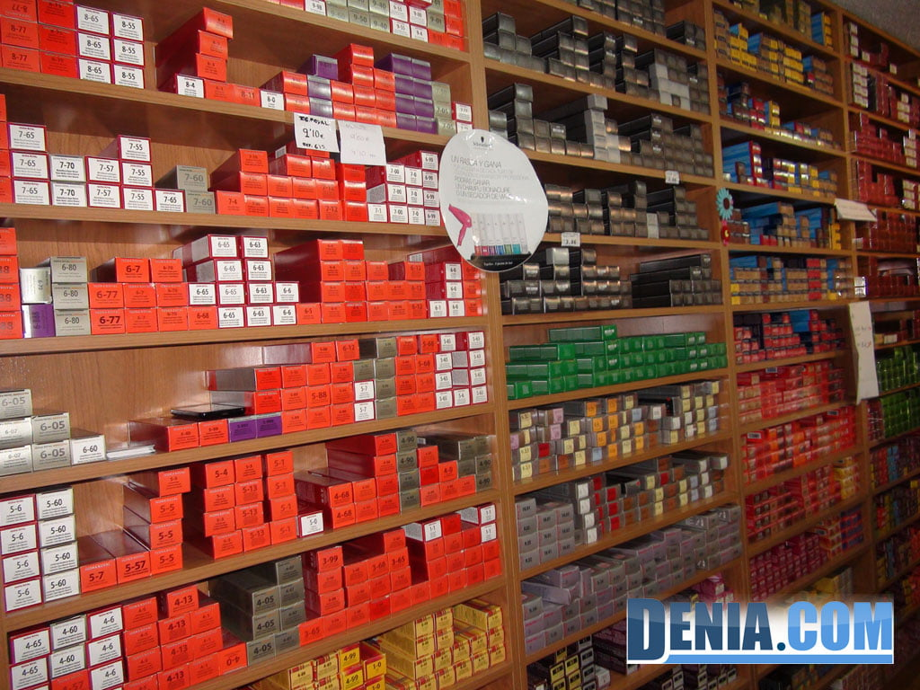 Wide range of colors in hair dyes in Dénia Doré