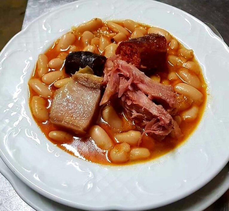 Fabada asturiana en Dénia - La Sidrería