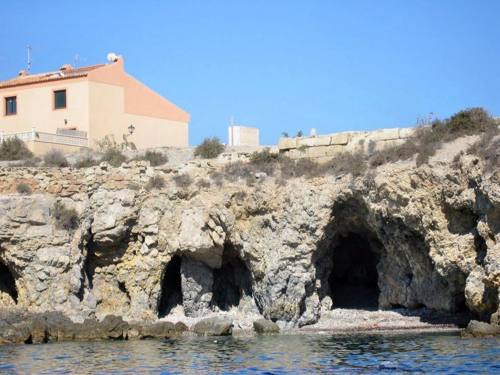 Cova del llop mari en tabarca d - Residencial isla tabarca ...