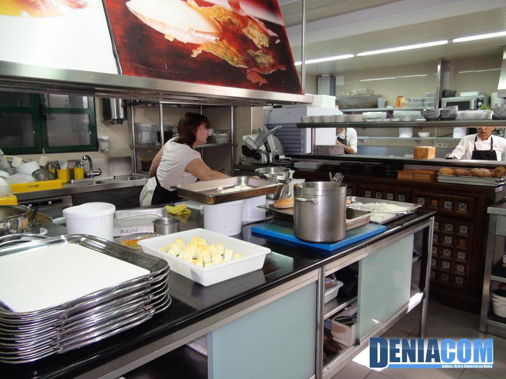 Trabajando en la cocina de quique dacosta d - Grado medio cocina y gastronomia ...