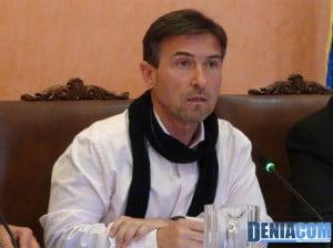 Vicente Chelet en el pleno del ayuntamiento de Dénia