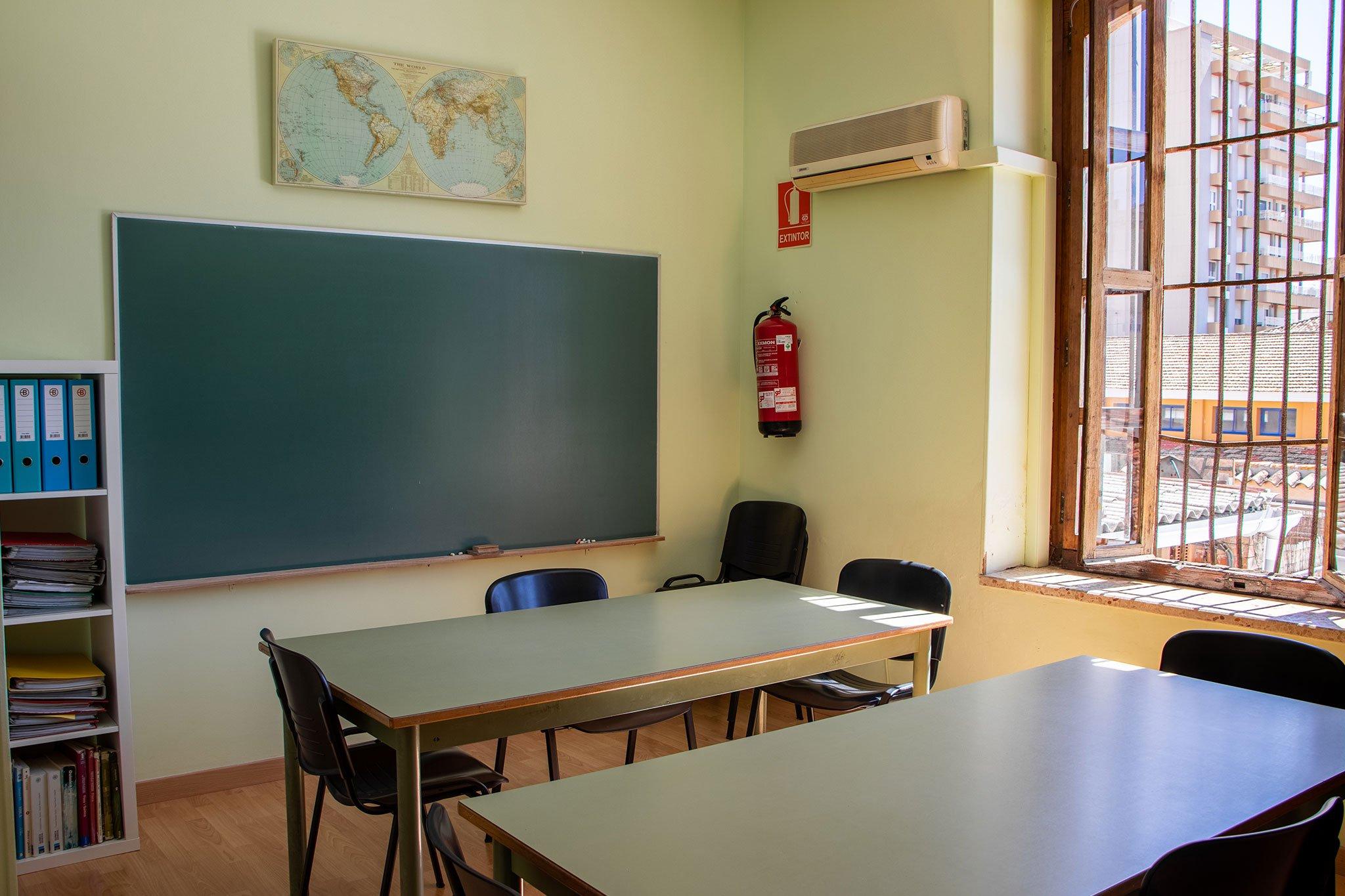 Mobiliario de un aula – Centro de Estudios EDES