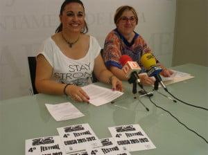 Festival Dinàmics - Presentación por la concejala Isabel Gallego y la técnico del departamento Raquel Alcaraz