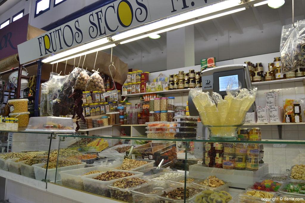 Frutos secos en el Mercado Municipal de Dénia