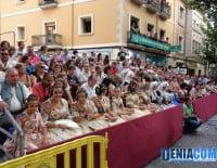 Autoridades falleras y de hogueras en el Desfile de Carrozas 2012