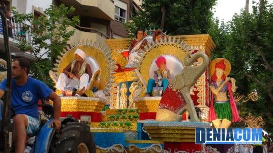 Carroza Bollywood de la Falla Campamnts