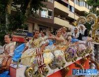 Carroza de Invitadas en el Desfile de Carrozas 2012