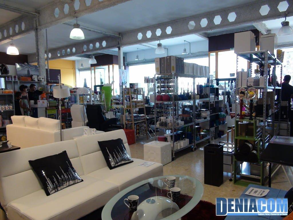 Exposici n de muebles en vainilla y chocolate d nia for Muebles de exposicion baratos