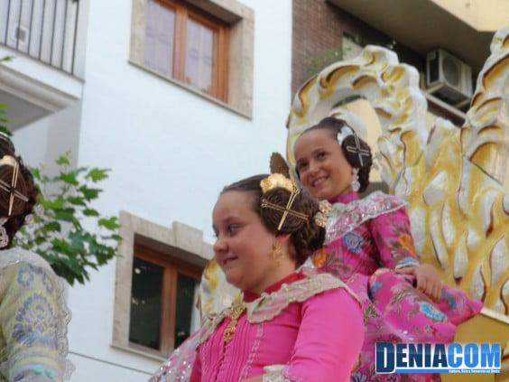 La Fallera Mayor Infantil de Dénia Rocio Patricio en el Desfile de Carrozas 2012