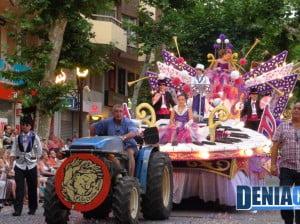 La carroza Musicalité de la Falla Centro gana el primer premio de Carrozas