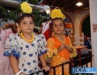 Las más peques de la Casa de Andalucía en el Desfile de Carrozas 2012