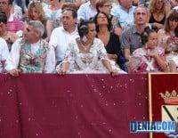 Representantes de la Junta Local Fallera en el Desfile de Carrozas 2012
