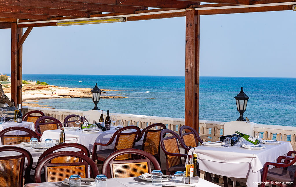 Sea view Mena Restaurant