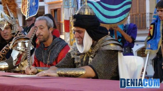 El capitán moro, Francisco Caselles, firma la tregua con el bando cristiano