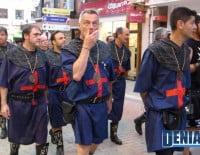 Filà Cavallers durante el pasacalle posterior al Desembarco de los Moros y Cristianos Dénia 2012