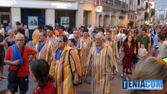 Filà Walies durante el pasacalle posterior al Desembarco de los Moros y Cristianos Dénia 2012