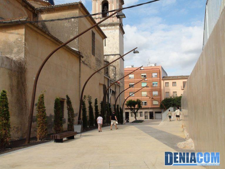 Callejón entre la Plaza del Ayuntamiento y la Plaza del Consell
