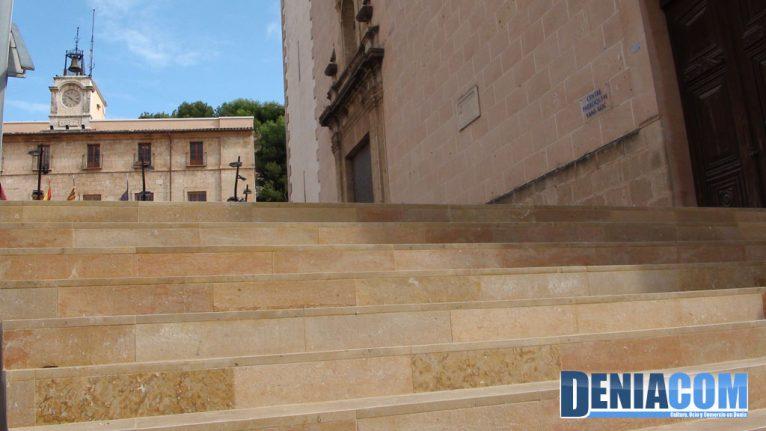 Escaleras de la plaza de la Constitución
