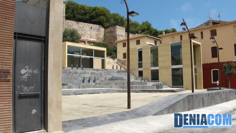 La Plaza del Consell luce su complejidad ante el público