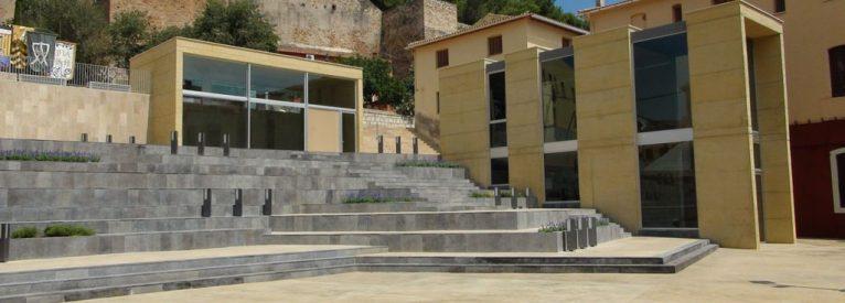 La ciudad de Dénia da la bienvenida a la remodelada Plaza del Consell