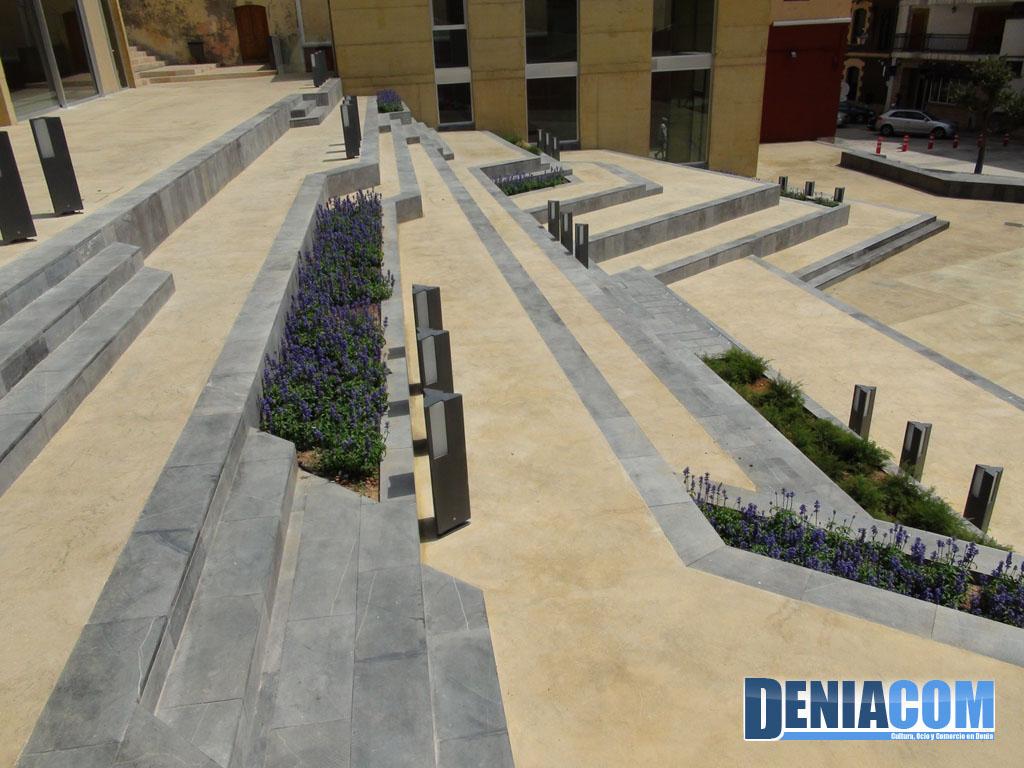 Plaza del consell d nia d for Diseno de gradas